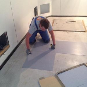 работы по настилу токопроводящей ПВХ плитки